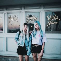 Pau y Gio-Around the corner😍💕❤ Ft Tumblr, Tumblr Girls, Best Friend Poses, Around The Corner, Photo Dump, The Most Beautiful Girl, Blue Aesthetic, Photography Poses, Cool Photos