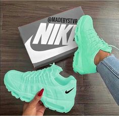 Tennis Shoes Black Leather Players Tips Referral: 9372391640 Cute Nike Shoes, Cute Nikes, Cute Sneakers, Green Sneakers, Addidas Sneakers, Sneakers Sale, Jordan Shoes Girls, Girls Shoes, Shoes Women