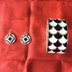 WHBM Bracelet and earrings set Black and white pattern. No defects. White House Black Market Jewelry Bracelets
