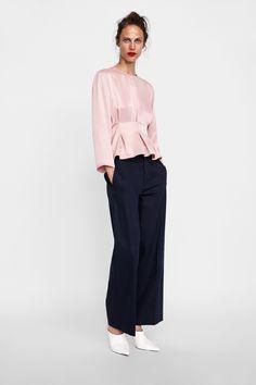 251487e2ac6 Imagem 1 de BLUSA ACETINADA COM PREGAS da Zara Zara New