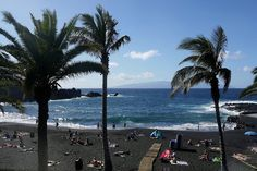 Strand von Puerto de Santiago / Teneriffa mit Blick nach La Gomera de Heinz Trompetter