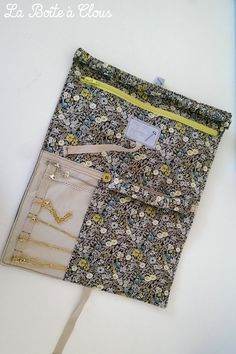 Incredibly The box with nails: Jewelery Kit and others . - Women's Jewelry and Accessories-Women Fashion Diy Jewelry Holder, Jewelry Case, Dainty Jewelry, Diy Jewelry Making, Diy Couture, Couture Sewing, Liberty Print, Diy Accessories, Sewing Hacks