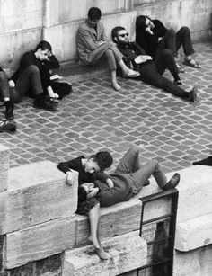Beatnik fashion on the bank of the Seine in Paris, France from Life magazine 1963. Everything is perfect, the narrow pants, the dark colors the slouch...love it.