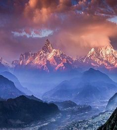 """Himalayas from """"Beauty of Planet Earth"""" Amazing Places On Earth, Cloud Lights, Dusk To Dawn, Planet Earth, Adventure Travel, Traveling By Yourself, The Good Place, Nature Photography, Beautiful Pictures"""