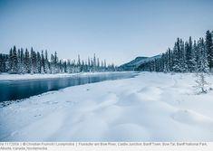 Flussufer am Bow River, Castle Junction, … – Bild kaufen Schnee In Deutschland, Banff National Park, National Parks, Castle, Bow, Mountains, Winter, Nature, Travel