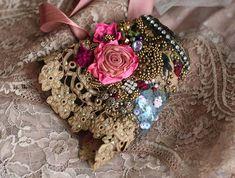 Brocart romantic shabby chic wrist cuff antique от FleursBoheme