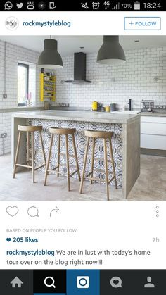 Love the island and the tiling underneath