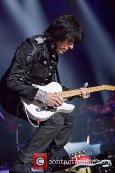 Jeff Beck performing live at the Royal Albert Hall Jeff Beck, Royal Albert Hall, Concert, Music, People, Musica, Musik, Recital, Muziek