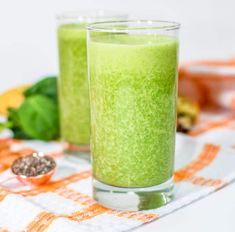 Batidos de plátano para la retención de líquidos - Adelgazar en casa Cantaloupe, Spinach, Food And Drink, Banana, Tableware, Health, Green Fruit, Smoothie, Gym