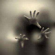 tuas mãos...: Photo by Photographer Maria José Amorim - photo.net