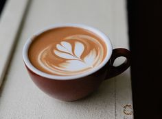 """Latte Art: How to Draw a Tulip on Your Coffee.Beautiful~but as fast as I toss my morning cup back, the """"tulip"""" would be on my """"upper lip"""" Coffee Draw, Coffee Latte Art, Espresso Latte, I Love Coffee, Coffee Cafe, Best Coffee, Coffee Shop, Coffee Lovers, Iced Coffee"""
