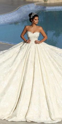 30 Ball Gown Wedding Dresses Fit For A Queen � ball gown wedding dresses strapless neckline delicate lace andrracouture #weddingforward #wedding #bride Huge Wedding Dresses, Western Wedding Dresses, Amazing Wedding Dress, Classic Wedding Dress, Princess Wedding Dresses, Wedding Dress Shopping, Boho Wedding Dress, Bridal Dresses, Wedding Gowns