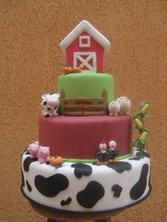 Ateliê Cátia Bechelli Giorgi - Bolo fazendinha para aluguel (valor informado par aluguel). A casinha no topo do bolo pode ser removida. R$ 70,00 Baby 1st Birthday, Farm Birthday, 2nd Birthday Parties, Birthday Cake, Barnyard Party, Farm Party, Cowboy Theme Party, Farm Cake, Cake Board