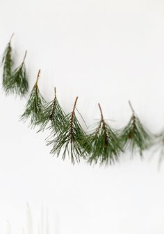 10 Simple DIY Christmas Decorations Made From Nature! - Abide Goods - 10 Simple DIY Christmas Decorations Made From Nature! my scandinavian home: 10 Simple DIY Christmas Decorations Made From Nature! Noel Christmas, Simple Christmas, Winter Christmas, Christmas Crafts, Modern Christmas, Christmas Tables, White Christmas Garland, Crochet Christmas, Christmas Quotes
