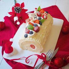 Christmas Goodies, Christmas Desserts, Japan Cake, Log Cake, Pan Dulce, Bread Cake, Winter Food, Food Design, Cake Designs