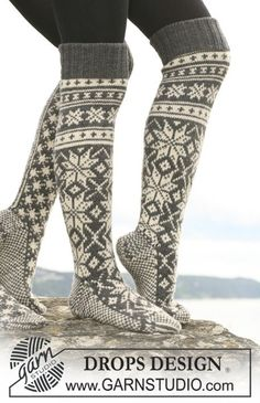 "Knitted DROPS socks with star pattern in ""Karisma"". - Free pattern by DROPS Design Crochet Socks, Knit Mittens, Knitting Socks, Knit Crochet, Drops Design, Ski Socks, Wool Socks, Knitting Patterns Free, Free Knitting"