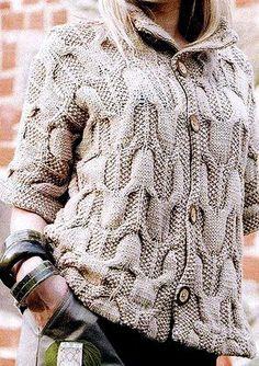 Вязаное спицами пальто объемным узором. Вязаные пальто схемы бесплатно | Домоводство для всей семьи.