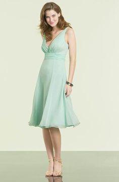 V-neck sleeveless Cocktail Dress