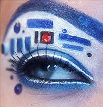 My mom is a star wars fan and she thought this was from Doctor Who. -_- Amazing Eye Makeup Design - Insane for every day make-up but perfect for Star Wars Celebration V Star Wars Film, Star Wars Day, Halloween Look, Halloween Makeup, Halloween 2014, Holiday Makeup, Geek Girl Fashion, Makeup Fx, Makeup Ideas