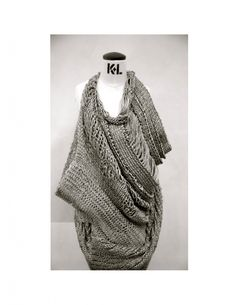 Knit Dreams from MitiMota - carolinemunro: Paula Cheng Crochet Wool, Knitting Wool, Freeform Crochet, Arm Knitting, Knitwear Fashion, Knit Fashion, Grey Fashion, Fashion Design, Knitting Designs
