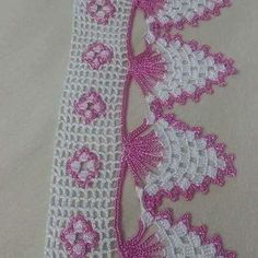 This post was discovered by HU Crochet Edging Patterns, Crochet Lace Edging, Crochet Borders, Doily Patterns, Crochet Squares, Thread Crochet, Crochet Trim, Crochet Designs, Crochet Doilies