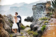 Bride and Groom, wedding photoshoot, wedding day, amalfi coast, medieval tower, on the rocks, sea view, sposa mediterranea