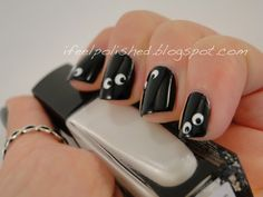 Halloween Nails - adding goggly eyes from a craft store would be cool too! Cute Nails, Pretty Nails, Funky Nails, Hair And Nails, My Nails, Halloween Nail Art, Halloween Tricks, Halloween Stuff, Halloween Crafts