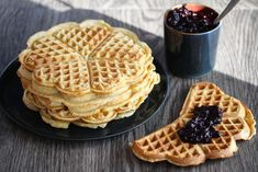 Havremelsvafler Scones, Granola, Nom Nom, Bakery, Bread, Snacks, Cookies, Breakfast, Sweet