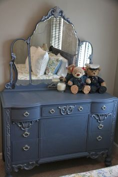Dresser painted with Annie Sloan chalk paint in Old Violet with accents of Martha Stewart Metallic Glaze in Mercury - Bless Your Heart: Dresser update Chalk Paint Furniture, Find Furniture, Furniture Making, Furniture Makeover, Chalk Paint Colors, Repurposed Furniture, Antique Furniture, Annie Sloan Chalk Paint, Furniture Inspiration