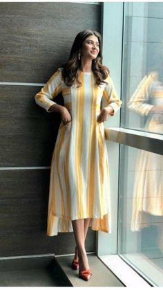 Silk Kurti Designs, Simple Kurta Designs, Kurta Designs Women, Kurti Designs Party Wear, Indian Fashion Dresses, Indian Designer Outfits, Girls Fashion Clothes, Fashion Outfits, Fashion Skirts