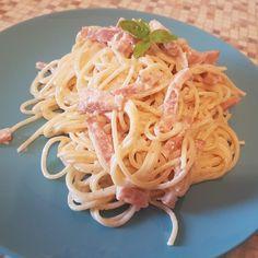 Paste carbonara Pasta Carbonara, Bacon, Spaghetti, Foods, Ethnic Recipes, Food Food, Food Items, Pork Belly, Noodle