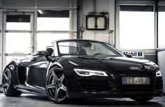 Take a look at the Gorgeous Black Audi Roadster Sporting Impeccable Custom Wheels photos and go back to customizing your vehicle with renewed passion. Sexy Cars, Hot Cars, Audi R8 Interior, Car Flash, Audi 2017, E90 Bmw, Black Audi, Black Cars, Audi R8 V10 Plus