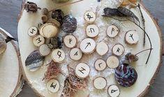 TALISMAN : LE POUVOIR DES RUNES - Divination, Les Runes, Rune Symbols, Runes Meaning, Rune Alphabet