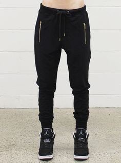 ESCAPE TRACKIE BLACK / GOLD – Federation Clothing +. Jersey Outfit, Black Gold, Black Jeans, Sweatpants, Clothes, Outfits, Fashion, Moda, Clothing