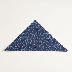 https://www.bladeandblue.com/collections/pocket-squares/products/japanese-indigo-dyed-navy-dragonfly-print-pocket-square