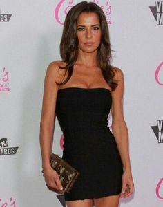Kelly Monaco (May Actress known for her role of Sam McCall on the soap opera General Hospital and for being the winner of the first season of Dancing With the Stars. Kelly Monaco, Skinny Fashion, Women's Fashion, Female Actresses, Dancing With The Stars, Celebs, Celebrities, Elegant Woman, Natalie Portman