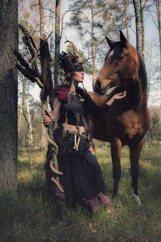 Baśniowe Warsztaty Fotograficzne z Końmi z Anna Sychowicz :: fotografia Model & Make up: Thinloth  Horse Model: Elgaspar Stylist: Garderoba Lucy - wypożyczalnia kostiumów i akcesoriów Photographer: Adrianna Kunikowska