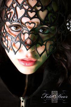 queen of hearts mask