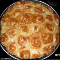 Вкуснотийки с ИНА: Тутманик Bulgarian Recipes, Bulgarian Food, Bread Recipes, Cooking Recipes, Yummy Food, Delicious Meals, Breakfast Dessert, Bread Baking, Homemade