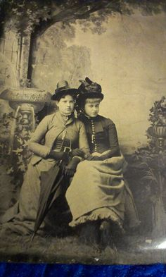 Tin type photo of 2 unknown ladies. (i bought them at an auction)