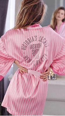 Bling ❤ Victoria Secret Desfile De Moda New York Listras Rosa nos bastidores Quimono Robe