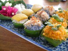 Thai Desserts sticky rice with three top choices Laos Desserts, Asian Desserts, Deserts, Healthy Thai Recipes, Asian Recipes, Thai Cooking, Asian Cooking, Papaya Salat, Thai Dessert
