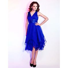 Homecoming Cocktail Party/Holiday/Wedding Party Dress - Royal Blue Plus Sizes A-line/Princess V-neck Knee-length Chiffon – USD $ 109.99