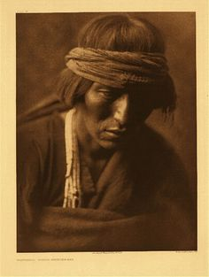 Hastobiga - Navaho medicine-man - Photo by Edward S. Curtis, 1904 - (Original)