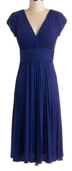 Sweet dress that flatters everyone http://rstyle.me/n/pf26vnyg6