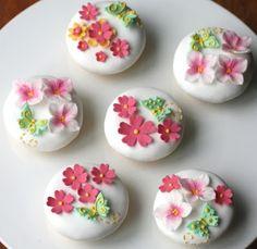 Cupcake: June 2012