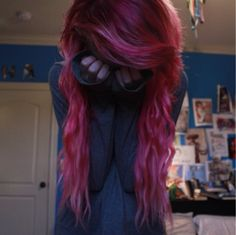 wavy pink long scene hair ^_^ Wish I could get my hair this wavy! Long Scene Hair, Emo Scene Hair, Scene Bangs, Natural Curly Hair, Twisted Hair, Alternative Hair, Coloured Hair, Dye My Hair, Love Hair
