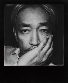Mikiki   坂本龍一を貫くもの―70年代を振り返る〈Year Book〉第2弾から、復帰後の初作品=映画「母と暮らせば」サントラまで   COLUMN   JAPAN