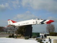 f-4 phantom ii special paint   Air Force F-4E Phantom II : Thunderbird Paint - Static Aircraft ...