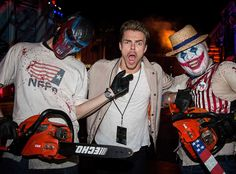 In between Dancing With the Stars rehearsals, Derek Hough has some fun at Halloween Horror Nights. Halloween 2016, Halloween Makeup, Halloween Horror Nights, Derek Hough, All Things Cute, Cute Makeup, Dancing With The Stars, Universal Studios, Makeup Ideas